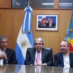 [AHORA] En #Avellaneda con el intendente Ferraresi y @Sabbatella http://t.co/fVLfQxM5An