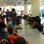 متواجدين الآن في أفينيو مول، لتقديم الفطور ل١٠٠ طفل يتيم من مركز أيتام السلط. #نشامىHKJ #الأردن #Amman #Jordan http://t.co/6wJUE1bRZp