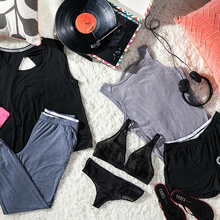 Playing hooky? We've got your wardrobe. #OwnTheSummer  http://t.co/pNsX7HmwYv http://t.co/VyCMG48OIX