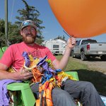 FOUND: The lawn chair and balloons from yesterdays Stampede stunt. http://t.co/KhfZ0arfoy #yyc @SUNStuDryden photo http://t.co/HxGSGFotJr