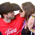 New details have emerged about Mila Kunis & Ashton Kutcher's secret wedding ceremony! http://t.co/yIPiFEYwYE http://t.co/K9KJuGfKTW