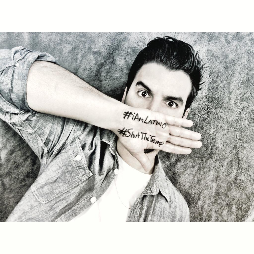 Let's JOIN TOGETHER.! Vamos a UNIRNOS.. #ShutTheTrump #iAmLatino #DumpTrump #oskarrodriguez #LatinosUnidos http://t.co/dufdwwhjfI
