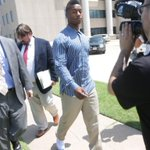 #FSU QB dismissed after video of him punching woman released, yet Mixon remains with #Sooners: http://t.co/Ue0FFrodTD http://t.co/fuEB66PK9z