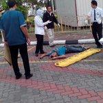 Lagi kes terjun di HTAA.Dr tgkt 5 wad kiambang.Umur 24.Disyaki Melayu (blum disah) ,Tahun ni dh 4 kes @KuantanTV http://t.co/MivgSTYm3r