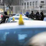 SA metered taxi operators declare war on Uber http://t.co/FLQieD1tWj http://t.co/kwm9rUfhU6