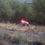 Dos heridos tras caer con su coche a un barranco en la Cresta del Gallo http://t.co/puS34BYxZv http://t.co/GSMzzbl4EP