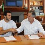 Cest fait pour @arthurrb13 ! Il continue son aventure avec le Stade en signant un contrat Espoir de trois saisons 😊 http://t.co/AwUwi6COcB