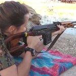 بالصور - عارضة أزياء كندية قاتلت #داعش في #سوريا وعادت الى موطنها لتروي تجربتها http://t.co/GJiK4I5GGg http://t.co/25G3XUTHsJ