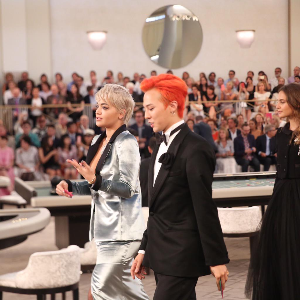 Bleach off between Rita Ora and G-Dragon @CHANEL http://t.co/3LlGPhwj4O