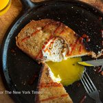 Five recipes that celebrate the runny egg http://t.co/br8pcMNZvU http://t.co/NGRBblTQhS