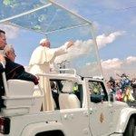 """""""Te queremos Francisco, te queremos"""" es el coro de los asistentes del parque Bicentenario. Gracias @Pontifex_es http://t.co/HoS1mHxRIl"""