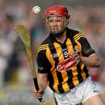 """@IndoSport: Video: Fmr Kilkenny star Tommy Walsh takes on crossbar challenge http://t.co/kFFgyh2Juz #GAA http://t.co/YrrcY0LpCO"" @GAAHits"
