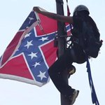 The South Carolina State Senate has voted to take down the Confederate flag: http://t.co/p5cEY5QE70 http://t.co/lNLBTYg7jM