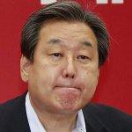 """줄타기 행보를 하던 김무성 새누리당 대표가 결국 유승민 원내대표 아닌 박근혜 대통령을 택하면서 """"동반 사퇴"""" 요구가 쏟아지고 있습니다. 순망치한의 처지로군요. http://t.co/4H2wv1mI16 http://t.co/cNW9ZJWUy6"""