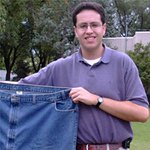 THIS JUST IN: FBI conducting investigation at home of Subway spokesman Jared Fogle http://t.co/dgYBXG61HZ http://t.co/vncpeE3jK5