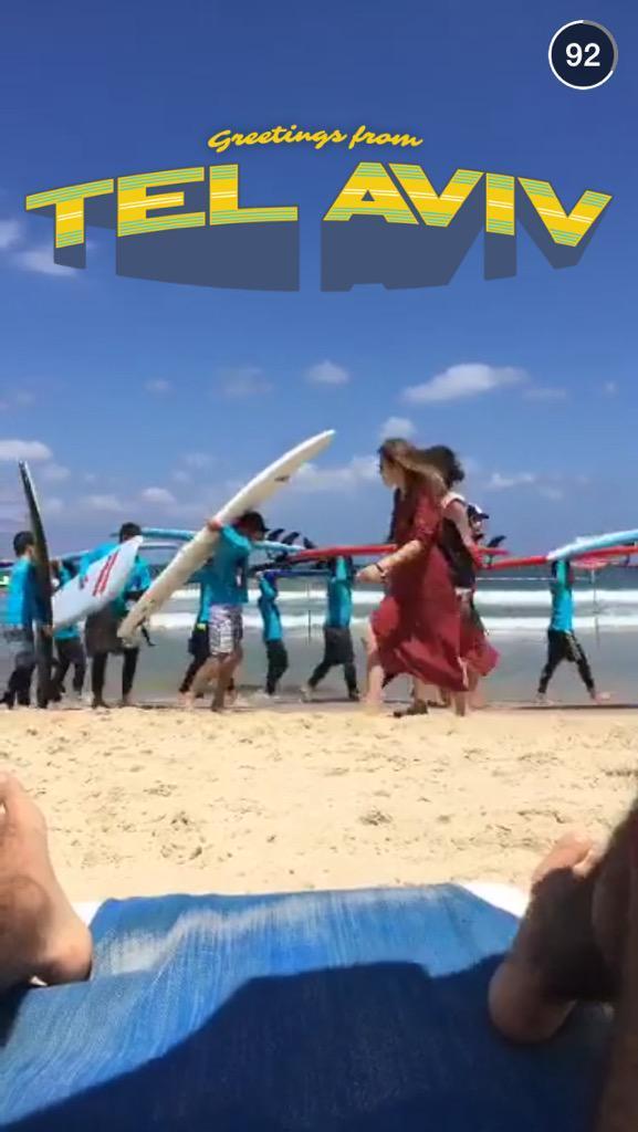 موجع جداً أن ترى الصهاينة يلعبون ويعبثون في شواطئ فلسطين المحتلة، في الوقت الذي يقتل فيه أطفال فلسطين عند ذات الشطآن! http://t.co/hsG2f5YBOl