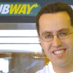 Jared from Subway has his home raided by FBI in connection to child porn http://t.co/D7O5Bx2P6O http://t.co/7J0eDGiUrc