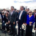 Presidente @MashiRafael y Vicepresidente @JorgeGlas asisten a misa de Papa Francisco en Quito. http://t.co/e552nnkRro