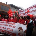 AHORA: Matronas marchan por el centro de Talca. Exigen cambio en normativa que regula cuidado de niños. http://t.co/KPO79OG9IQ