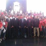 Trabajadores y trabajadoras de MinIndustrias y entes adscritos ofrecen homenaje al Negro Primero #VzlaApuestaPorLaPaz http://t.co/htZhzOWTl5