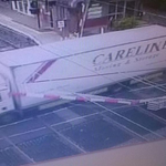 A lorry has smashed into a level crossing in Sandymount: http://t.co/lol3qyOvFw Pic: @IrishRail http://t.co/3CaDtvIPBX