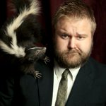 Robert Kirkman Wont Be Attending #SDCC This Year After All: http://t.co/LfuZTuMikv http://t.co/j7uAzE2fRc