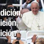 En el recorrido Bicentenario - Nunciatura @Pontifex bendijo a los quiteños #FranciscoEnEcuador http://t.co/hTnCHpxeTG http://t.co/dp6WFKuRfu