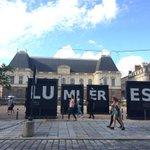 Demain soir à 23h, lancement des nouvelles illuminations sur la façade du Parlement de Bretagne à Rennes http://t.co/uZkHHPNOFz