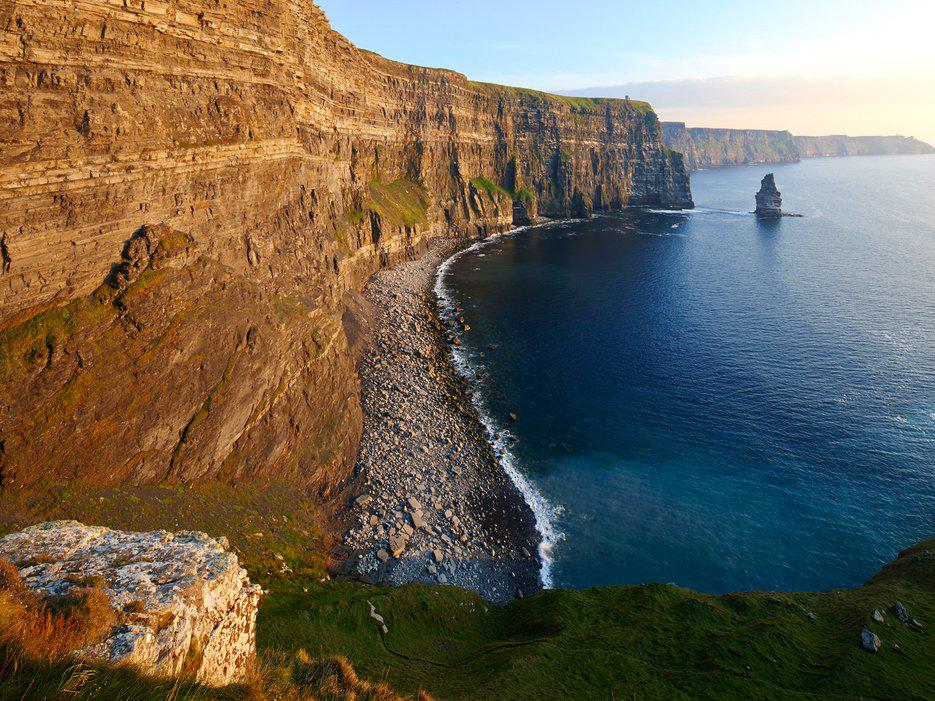 The perfect Ireland road trip itinerary—starting in Dublin and ending at the Cliffs of Moher