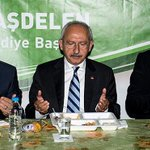 Kılıçdaroğlu iftar çadırında oruç açtı http://t.co/1NOxxZqOzY http://t.co/vIoZZAc0Pj