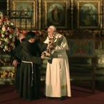 Comunidad franciscana regala réplica de estatua de San Francisco al papa http://t.co/QuJGdCaxIJ