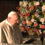 """""""El alcalde me ha entregado las llaves de la ciudad, así que puedo decir que aquí en Quito soy de casa"""", dice el papa http://t.co/YGWS0XXiHG"""