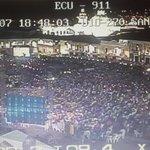 Así luce al momento la Plaza de San Francisco. #ECU911 #Quito brinda seguridad a ciudadanía por videovigilancia http://t.co/bVF9S4Bgoe