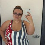 Woman's selfie in Old Navy tank top goes viral for unexpected reason. http://t.co/1QirvHPIXe #OldNavy #oldnavyselfie http://t.co/XgIM8oRjQP