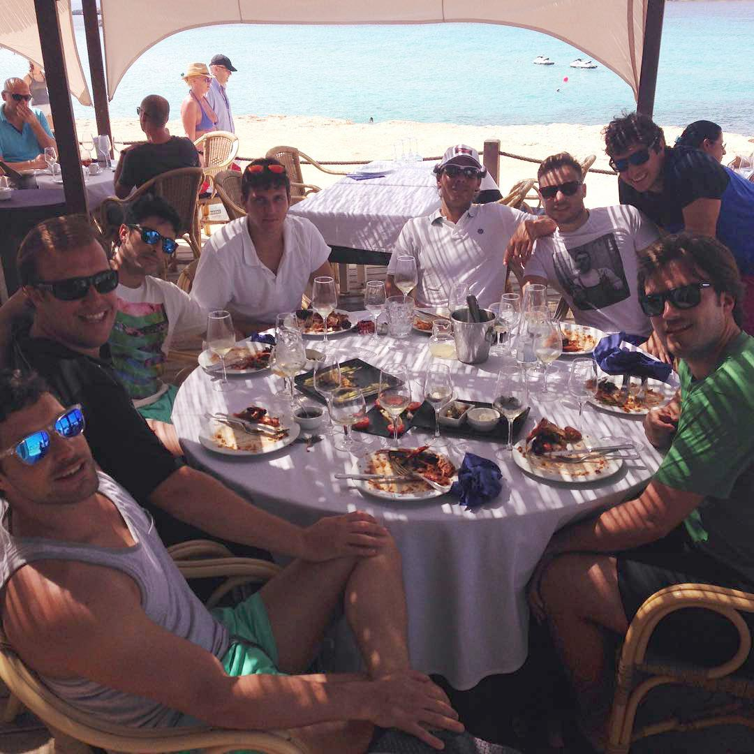 Rafael Nadal with friends in Marbella (photo: pgarcila IG) Thanks for the link @nadia_rodrigo ! http://t.co/x84F13krIT