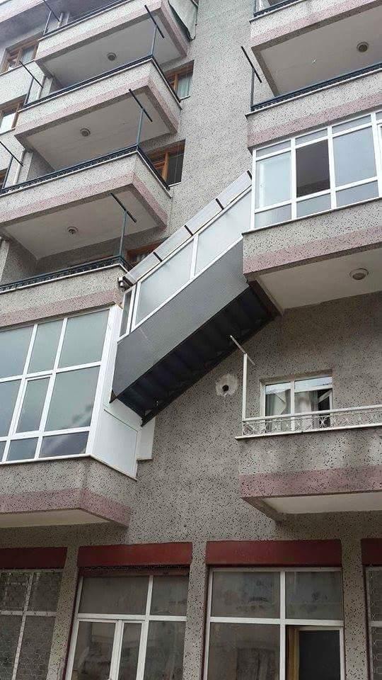 Türk usulü dubleks daire konsepti ne yazık ki batılıların aklına gelmedi. Batılı aptallar ne olacak. http://t.co/5zgxrWsvhe
