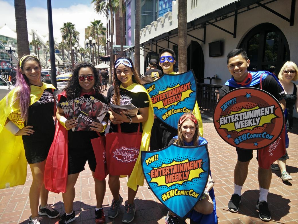 #SDCC find the @EW ground crew and get your Deadpool magazine #EWComicCon http://t.co/ddqiAEBydc