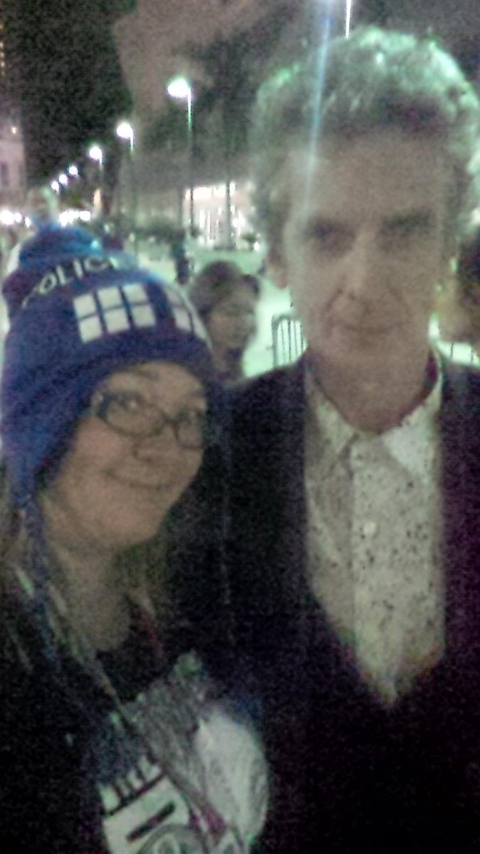 This made my #sdcc #bbc #doctorwho @DoctorWho_BBCA @HallHLine an evening visitor =))he liked my hat, we chatted =) http://t.co/0YOSIwNyVO