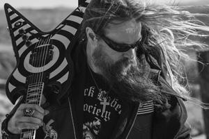 Ozzfest Japanの2日目のヘッドライナー、Ozzy Osbourne & Friendsのギタリストとして、ザック・ワイルドの出演が決定! http://t.co/pQmunMQ1h9 http://t.co/uXa5qQNW1m