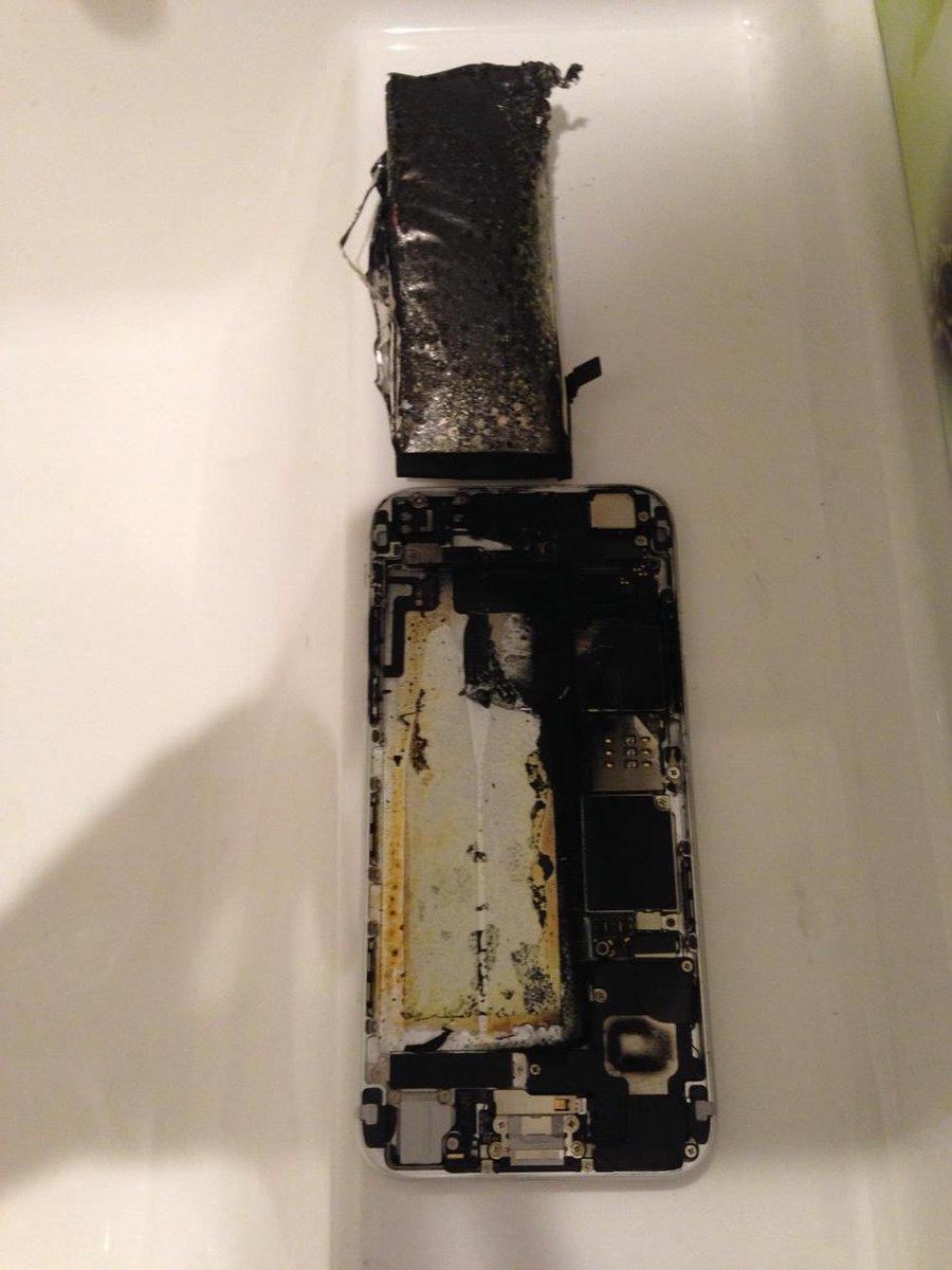 昨日の大失敗。iphoneのバッテリー交換の際、発火して、iphoneが丸焦げ。結構自信があった作業だが。良い子は真似をしないように。凹みますなあ - scoopnest.com