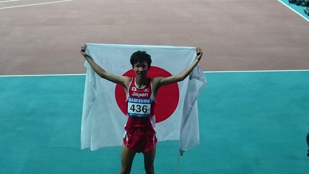 【ユニバーシアード】 男子10000m決勝 中谷圭佑(駒澤大)銅メダル獲得!! http://t.co/m6ZaSfYy1I