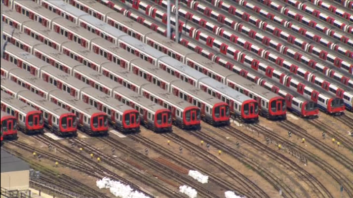 Another helicopter shot of the #TubeStrike depot. It's Neasden h/t @That_London_Guy @Matt_Smally  @SaintCustards [ro] http://t.co/kd4aubbwMM