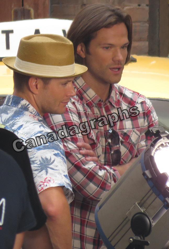 #Supernatural stars Jensen Ackles and Jared Padalecki on set yesterday. http://t.co/BWGsp2dIR7