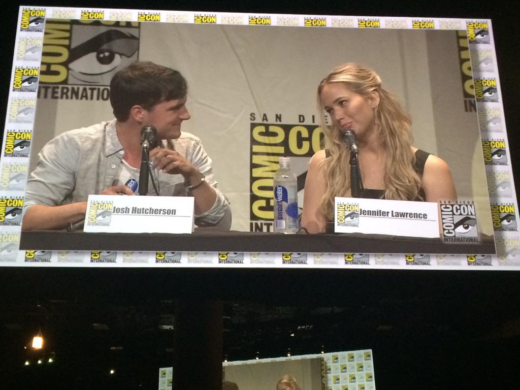 Josh Hutcherson and Jennifer Lawrence  having fun and being crazy adorable. #mockingjay #ComicCon2015 http://t.co/lvSa1LVt6E