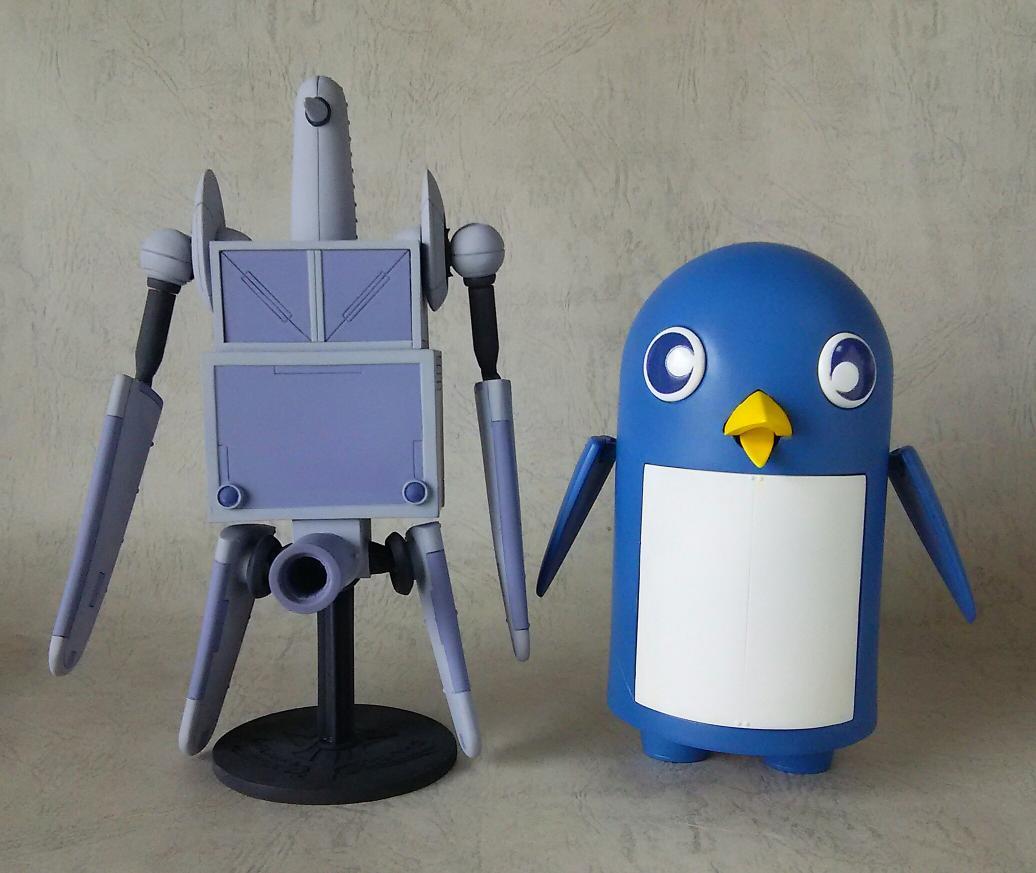 【まん点工房】ダイミダラー シリーズ、南極8号&9号のツーショット。ペンギンロボが並ぶと、なんかスゲェ絵面( ̄▽
