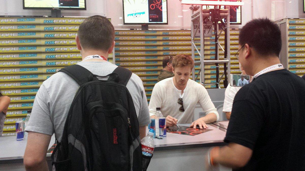 I just finally met @BradleyJames !!! :D #SDCC #Damien #merlin #SDCC2015 http://t.co/s1NsdcbOqh