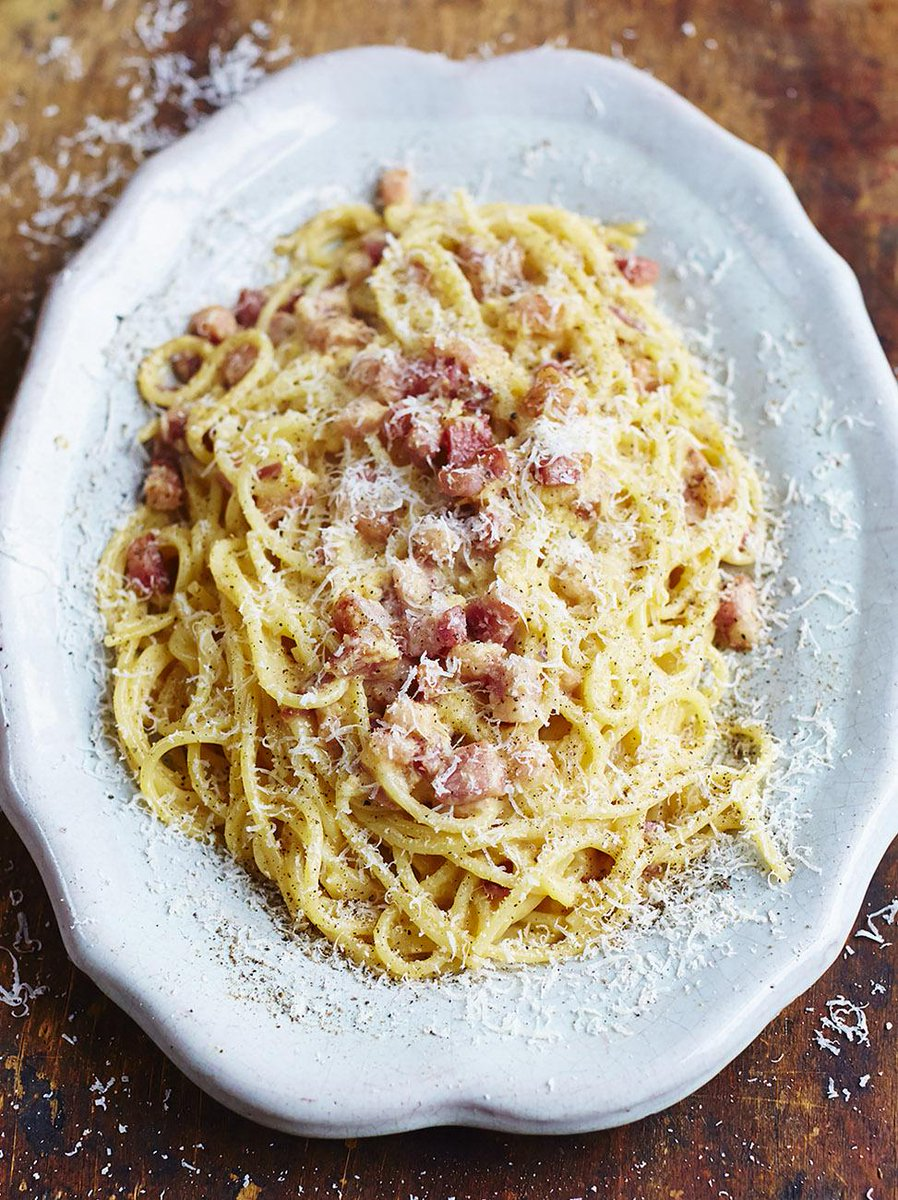 #Recipeoftheday is a classic carbonara from @gennarocontaldo awesome new book #PastaBook http://t.co/auYcSXFImJ http://t.co/SkFCeUVZb8