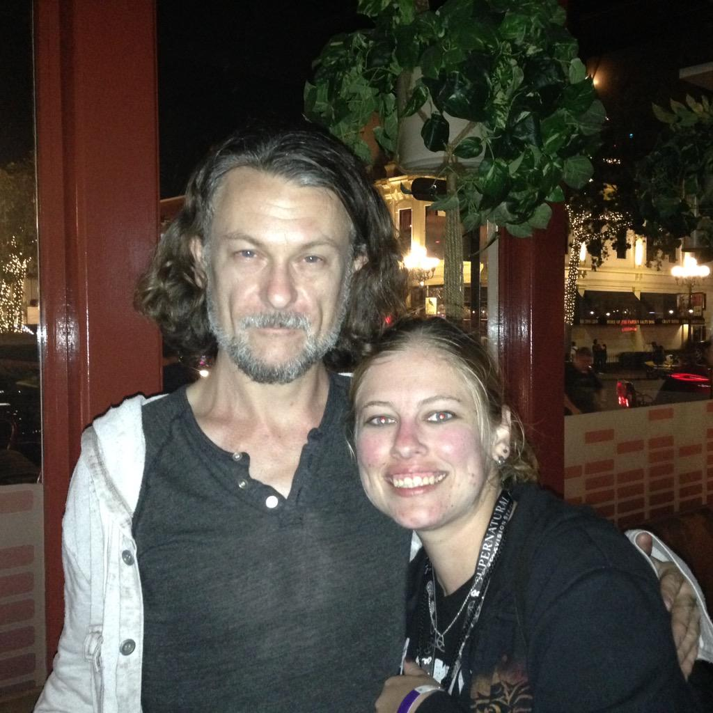 Met my idol @ben_edlund tonight http://t.co/j9HLODih0l