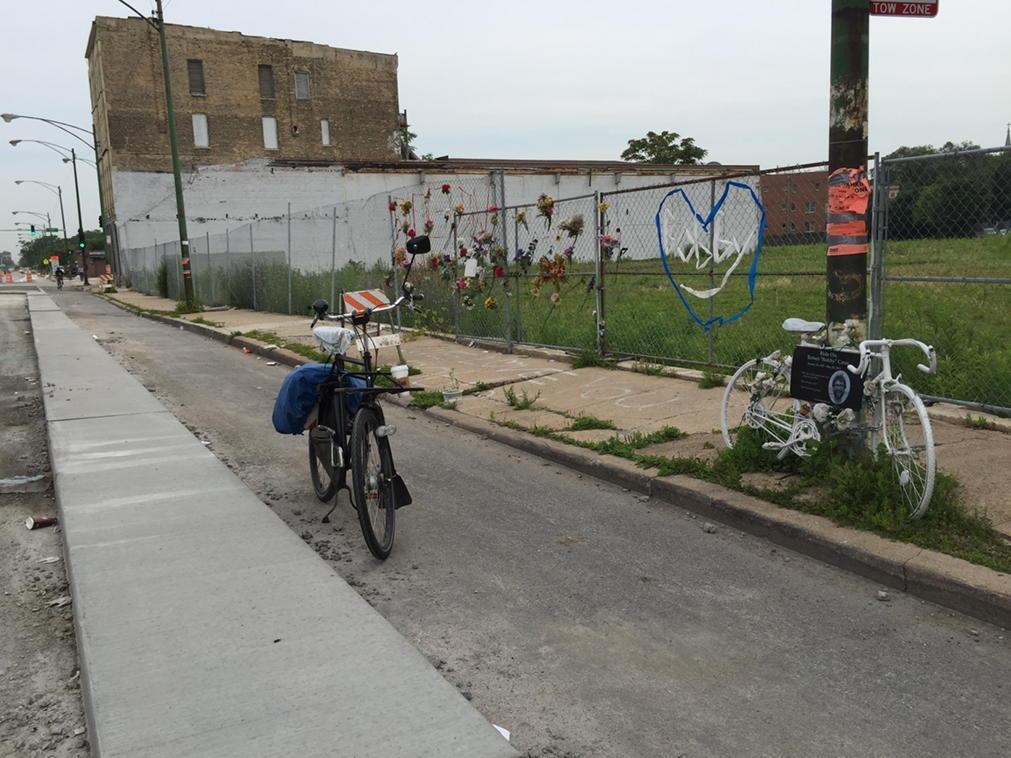 Finally 2 years after Bobby Cann killed a proper bike lane on Clyborne http://t.co/djsVv2GNsM