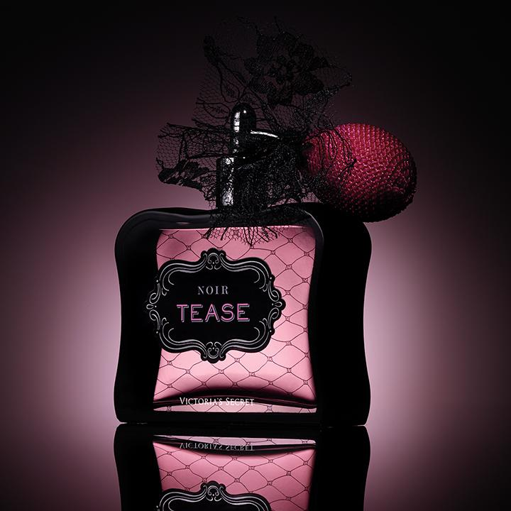 Such a tease. #FragranceFriday http://t.co/TCcLMEwGVy http://t.co/sZx1E292m7